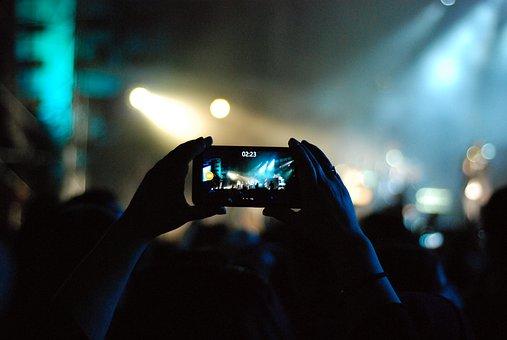 Lampenfieber bekämpfen - Videoaufnahme durch das Handy