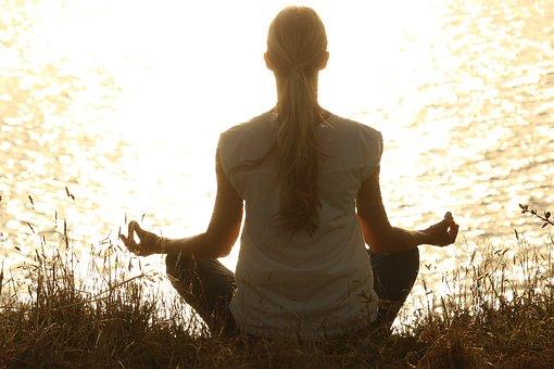 Lampenfieber bekämpfen - Yoga machen
